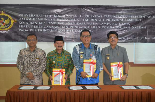 BPK Lampung Serahkan LHP Efektifitas Tata Kelola Pemerintahan Daerah