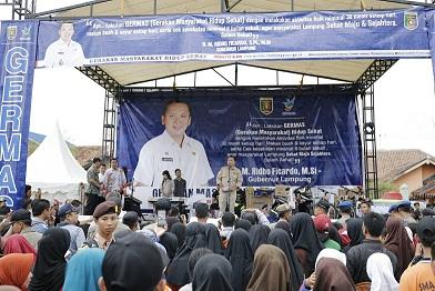 Ribuan Masyarakat Lampung Mengikuti Gerakan Masyarakat Hidup Sehat