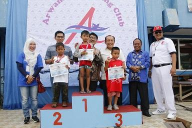 Kejuaraan Renang Pelajar Arwana Swimming Cup Lombakan 166 Nomor
