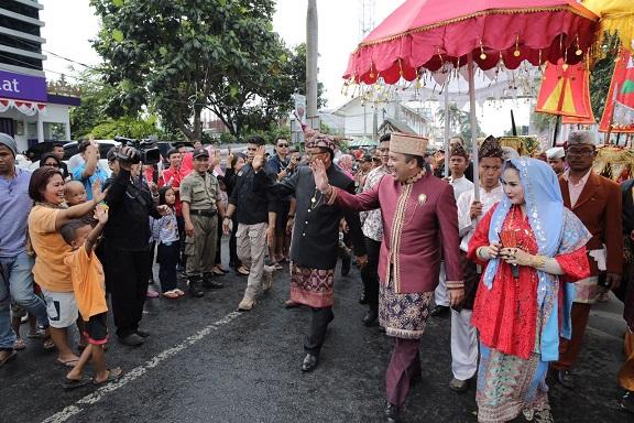Parade Budaya Culture andCarnival Banjir Pengunjung